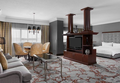 Teaneck Marriott at Glenpointe - Hospitality Suite - Living Area