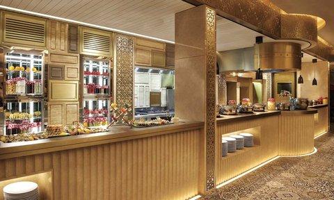 هيلتون العين - Buffet at Flavours restaurant