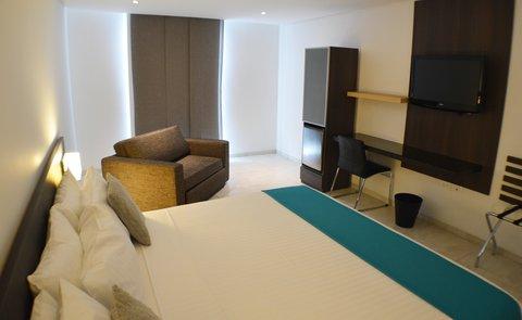 Hotel Casa Blanca - Junior Suite room with king bed