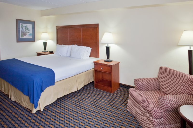 Holiday Inn Express Jacksonville in Jacksonville, NC, photo #12