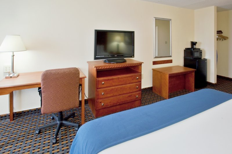 Holiday Inn Express Jacksonville in Jacksonville, NC, photo #13