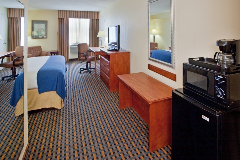 Holiday Inn Express Jacksonville in Jacksonville, NC, photo #18