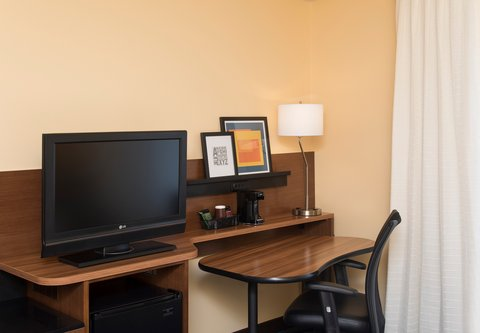 Fairfield Inn And Suites St Charles Hotel - Guest Room Work Desk