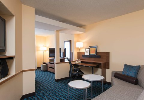 Fairfield Inn And Suites St Charles Hotel - Studio Suite - Living Area