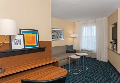 Fairfield Inn And Suites St Charles Hotel - One-Bedroom Suite - Living Area