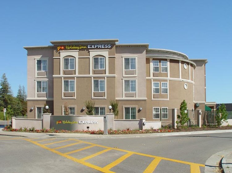 Holiday Inn Express WINDSOR SONOMA WINE COUNTRY - Santa Rosa, CA