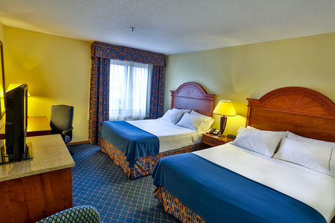 Holiday Inn Express BEMIDJI - Guest Room w  Two Queen Sized Beds