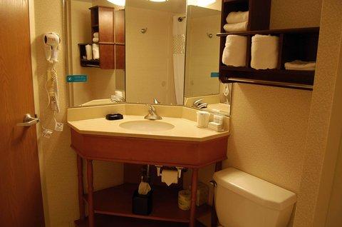 Hampton Inn Batesville IN - King Hearing Accesible Bathroom