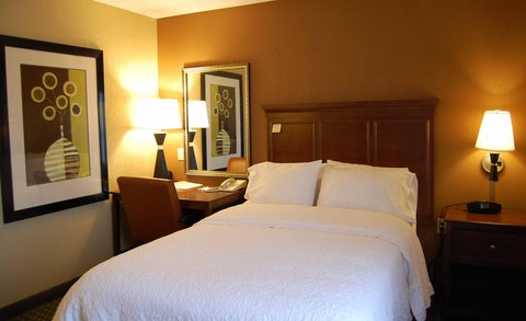 Hampton Inn Batesville IN - One Double Accessible Bed