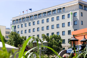 Welcome to Holiday Inn Express Berlin City Centre
