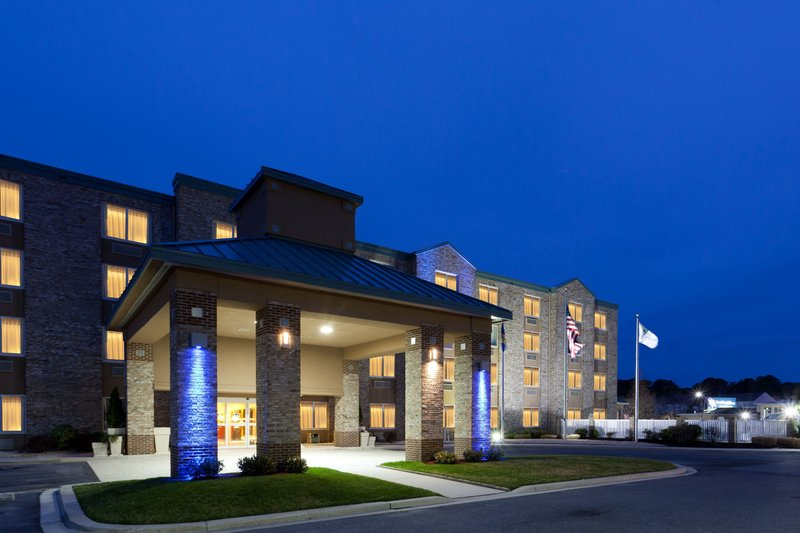 HOLIDAY INN EXP BETHANY BEACH