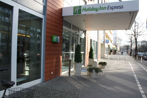 西柏林市中心快捷假日酒店 - Main Entrance