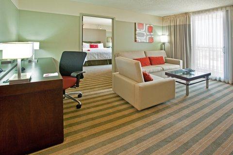 Crowne Plaza CHICAGO METRO DOWNTOWN - 1 King Bed Suite Nonsmoking