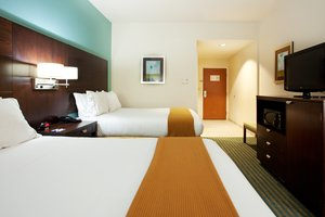 Room - Holiday Inn Express Hotel & Suites Picayune