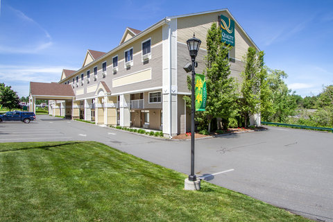 Quality Inn & Suites Evergreen Hotel - Exterior