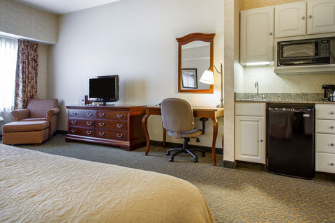 Quality Inn & Suites Evergreen Hotel - Guest room