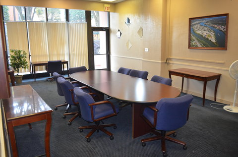 McLure City Center Hotel - Conference Room