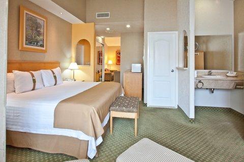 Holiday Inn Cuernavaca Hotel - Jr Suite Room