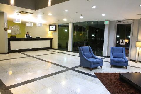 Holiday Inn Cuernavaca Hotel - Front Desk