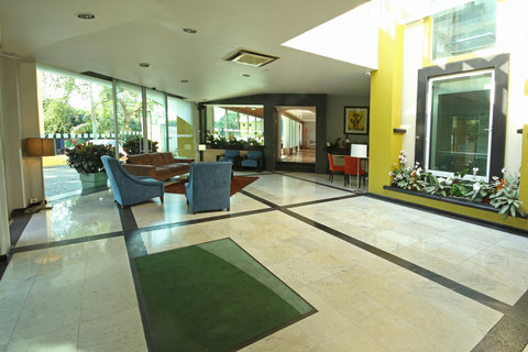 Holiday Inn Cuernavaca Hotel - Lobby Lounge
