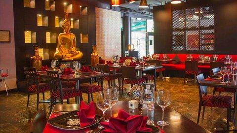 فندق هوليدي ان البرشا - Authentic Thai cuisine at award winning restaurant