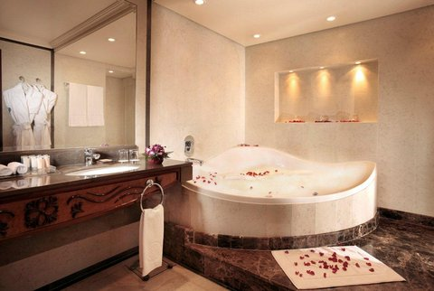 Gefinor Rotana Hotel - Royal and Presedential Bathroom