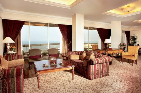 Gefinor Rotana Hotel - Royal Suite Sitting Area