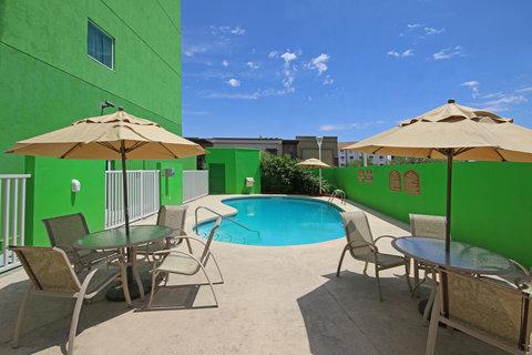 Holiday Inn Express & Suites CD. JUAREZ - LAS MISIONES - Swimming Pool