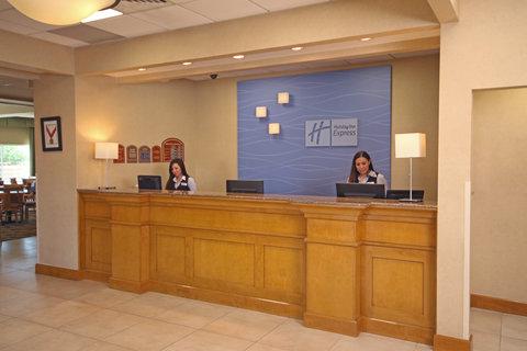 Holiday Inn Express & Suites CD. JUAREZ - LAS MISIONES - Front Desk