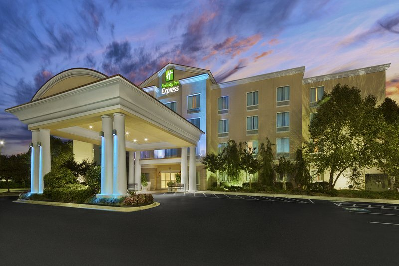 HOLIDAY INN EXP STES CONCORD