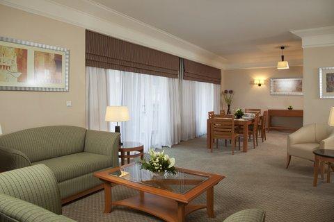 فندق هوليدي ان كريستال - Memphis Presidential Suite