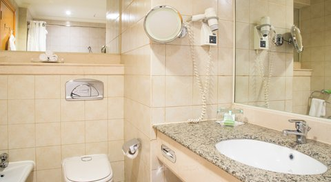 فندق هوليدي ان كريستال - Guest Room Bathroom