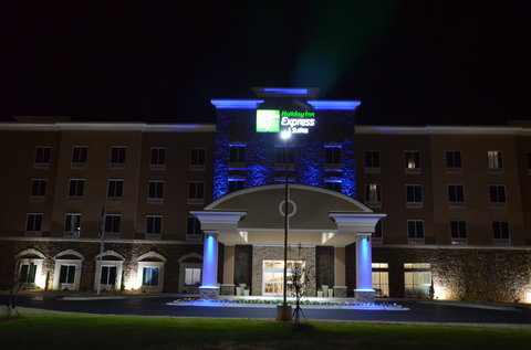 Holiday Inn Express & Suites ALBANY - Primary Exterior