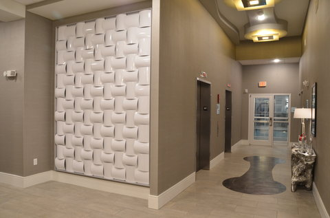 Holiday Inn Express & Suites ALBANY - Elevator Lobby
