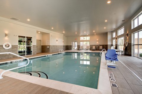 Holiday Inn Express & Suites ALBANY - Swimming Pool