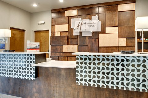 Holiday Inn Express & Suites ALBANY - Front Desk