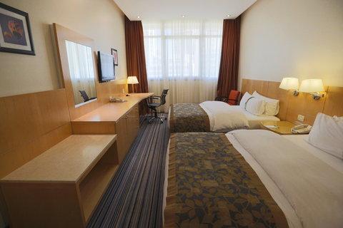 هوليداي إن ديونز - Guest Room