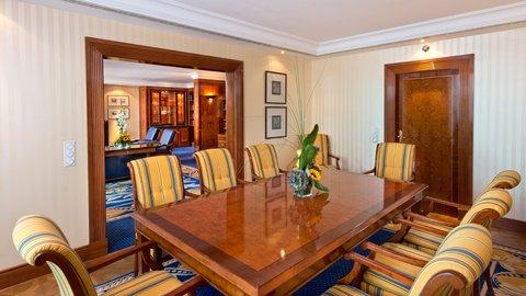 InterContinental BERLIN - Dining room Presidential suite InterContinental Berlin