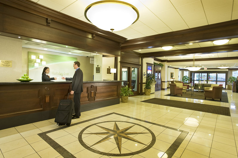 Holiday Inn NATIONAL AIRPORT/CRYSTAL CITY - Arlington, VA