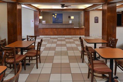 Holiday Inn Express Hotel & Suites Brownwood - Breakfast Area