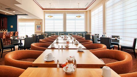 Hilton Garden Inn Dubuque Downtown - Garden Grill and Bar