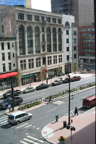 Oakwood at Hartford 21 - Hartford Furnished Apartment Exterior