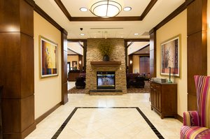 Lobby - Staybridge Suites Columbia