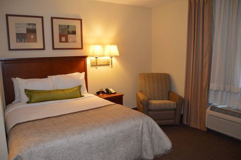 Candlewood Suites Fort Myers Sanibel Gateway Hotel - Queen Studio