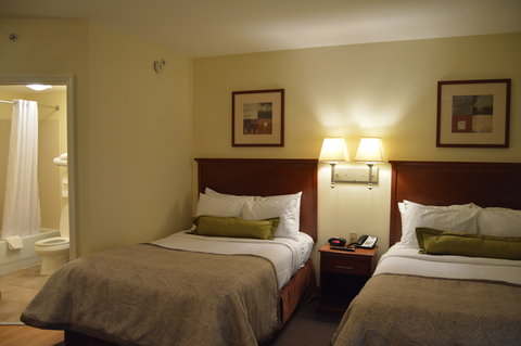 Candlewood Suites Fort Myers Sanibel Gateway Hotel - Double Bed Guest Room