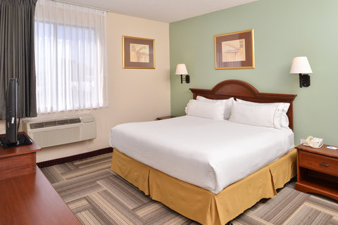 Holiday Inn Express Hotel & Suites Brownwood - Executive Suite