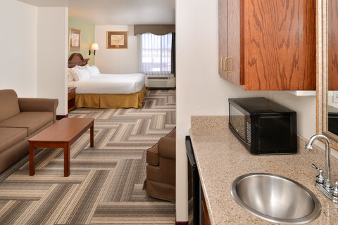 Holiday Inn Express Hotel & Suites Brownwood - King Bed Guest Room