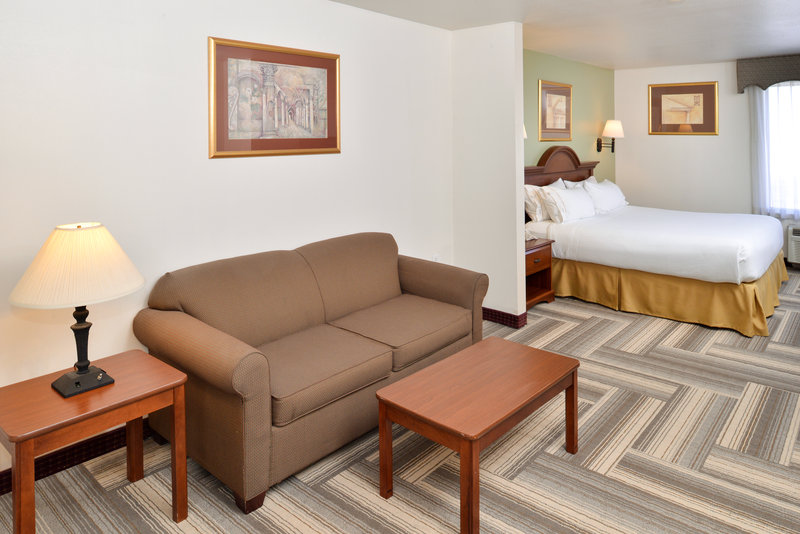 Holiday Inn Express & Suites BROWNWOOD - Brownwood, TX