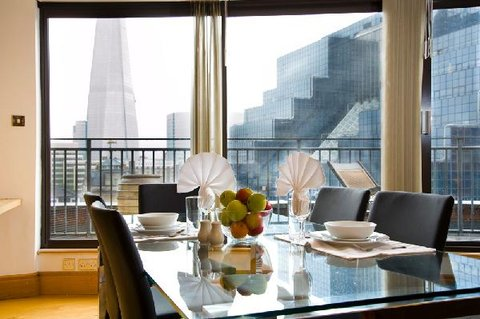 Oakwood at Monument Street Apartments - Dining View