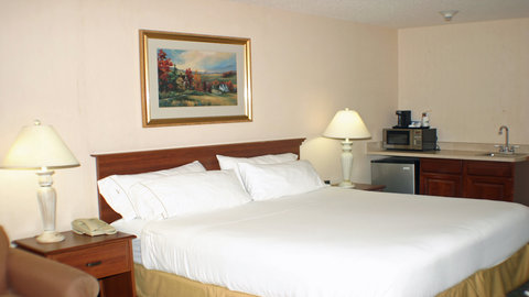 Holiday Inn Express Hotel & Suites Columbus Expo Center - Relax in a king size bed